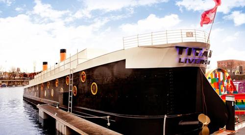 Titanic Boat Hotel